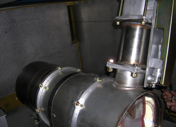 写真:鉄道保線車搭載の大型PMR